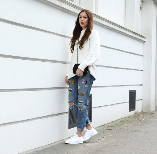 sweater und jeans mit patches