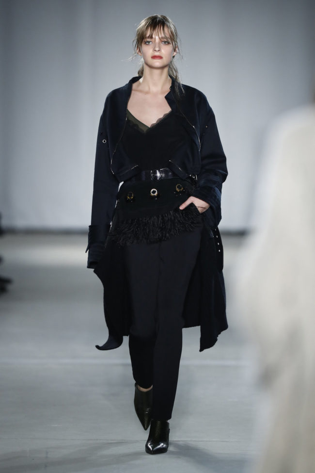 Favoriten-Looks von Dorothee Schumacher, schwarzer Mantel, Fashion Week Berlin