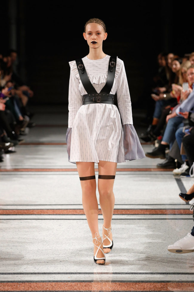 weißes Kleid, Statement Sleeves, Fashion Week Berlin